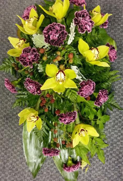 165 orkideaa, neilikkoita ja marjoja