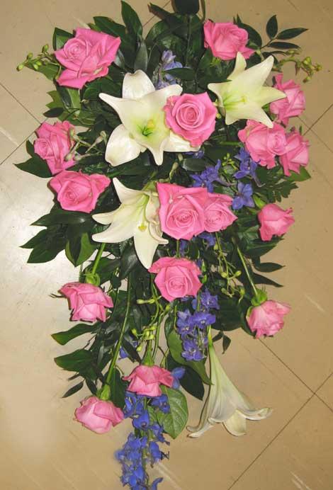 183 ruusu, lilja ja ritarinkannus