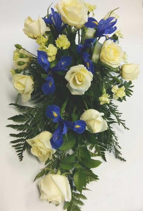 189 ruusu, iiris, neilikka