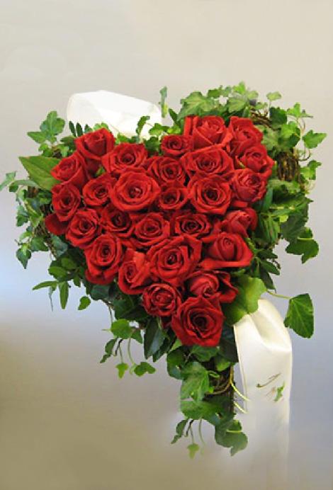 31 ruusu sydän umpinainen